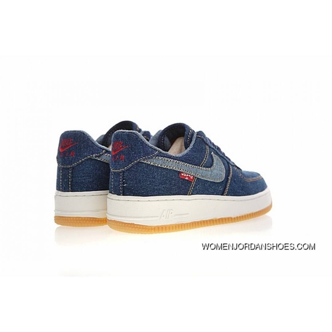 Jeans Levis With Nike Air Force  Shoes
